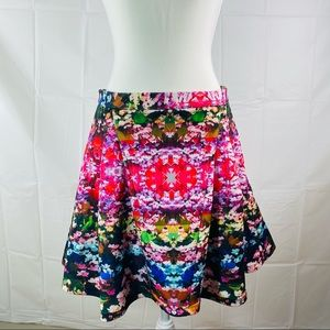 White Suede Multicolored Abstract Floral Zip A-Line Mini Circle Skirt Size 12